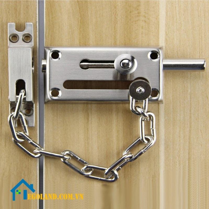 Chốt cửa an toàn là gì? Các tiêu chí chọn chốt cửa chuẩn