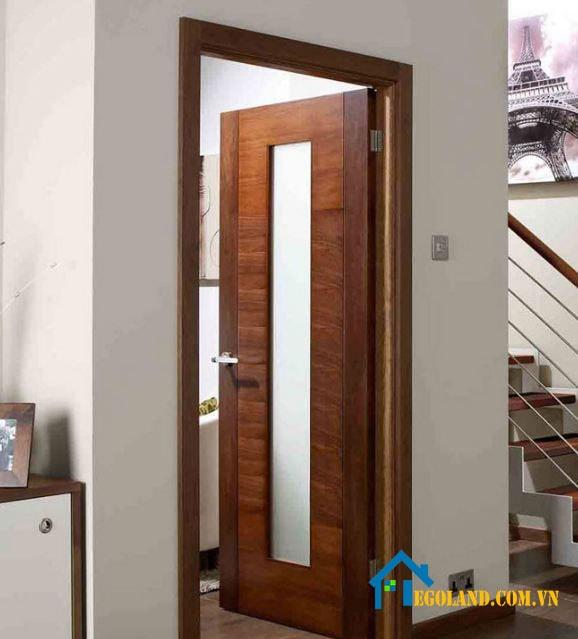Mẫu cửa gỗ nhà tắm tự nhiên