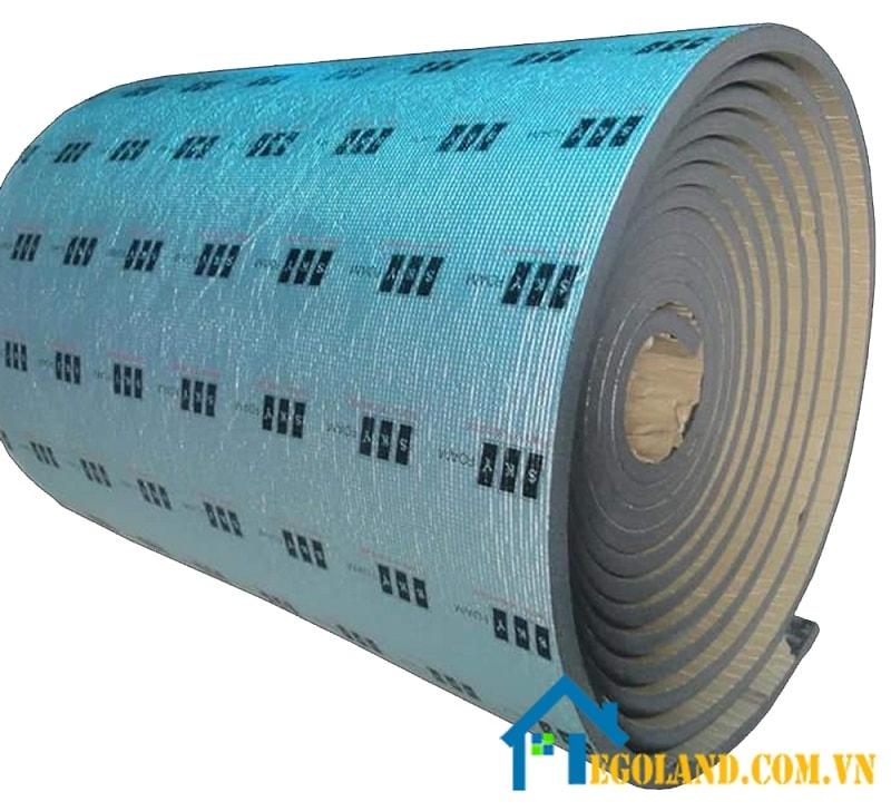 Foam PU được tạo ra bằng cách đổ theo khuôn mẫu có sẵn hoặc được phun trực tiếp