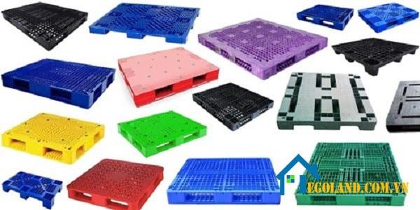 Pallet nhựa thường được sử dụng để vận chuyển hàng hóa
