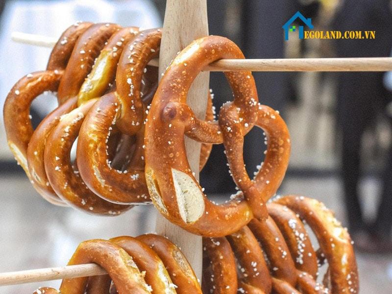 Bánh Pretzel có nguồn gốc từ rất lâu đời