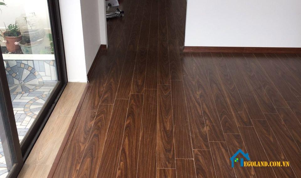 Sàn gỗ công nghiệp là dòng sản phẩm ra đời để thay thế cho sàn gỗ tự nhiên