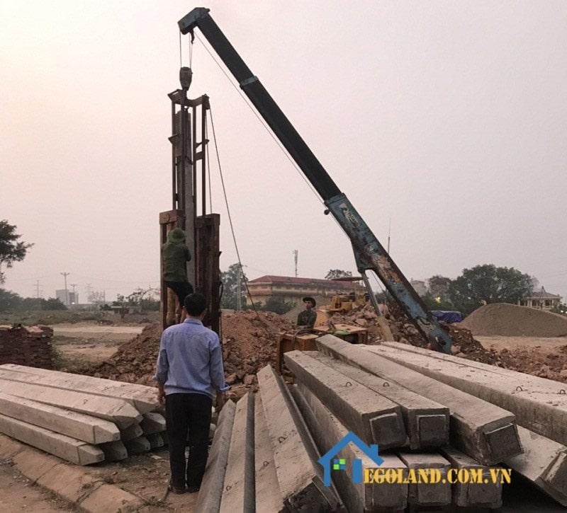 Ép cọc bê tông là phương pháp sử dụng các trang thiết bị máy móc hỗ trợ xây dựng vô cùng hiện đại