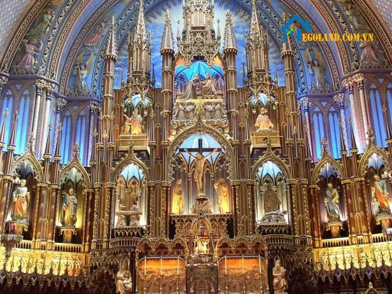 Những công trình mang lối kiến trúc Gothic thường có vẻ đẹp rất thu hút và ma mị