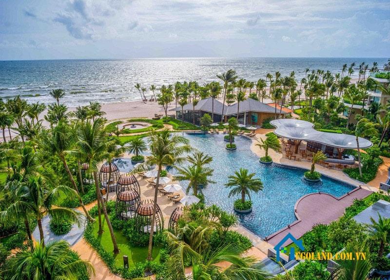 Resort là hệ thống mạng lưới các khách sạn nghỉ dưỡng được xây dựng biệt lập thành các khu hoặc quần thể riêng lẻ