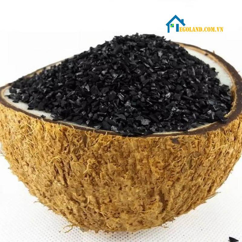 Than hoạt tính gáo dừa Việt Nam cũng là một trong những vật liệu lọc nước được nhiều người sử dụng