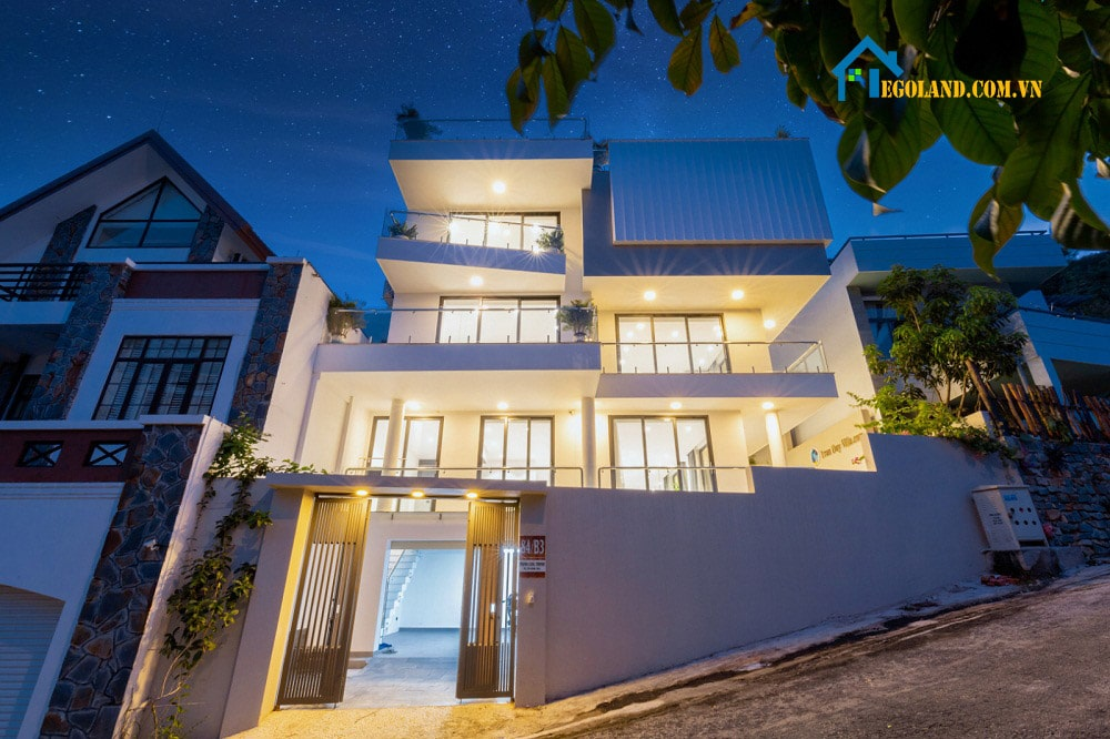 Tran Duy Luxury Villa 3 được thiết kế theo phong cách hiện đại, sang trọng