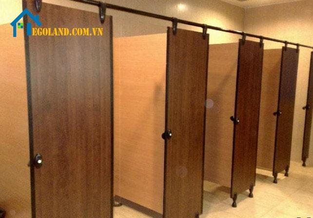 Vách ngăn vệ sinh gỗ công nghiệp