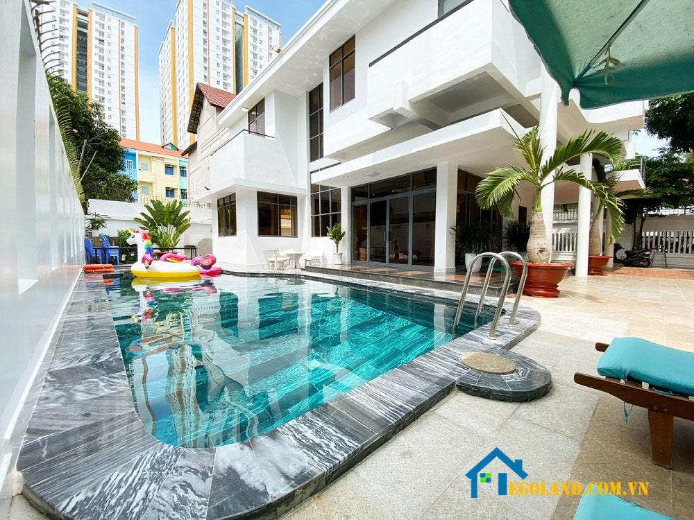 White Villas được thiết kế với kiến trúc hiện đại, độc đáo kết hợp với những nội thất thông minh, sang trọng