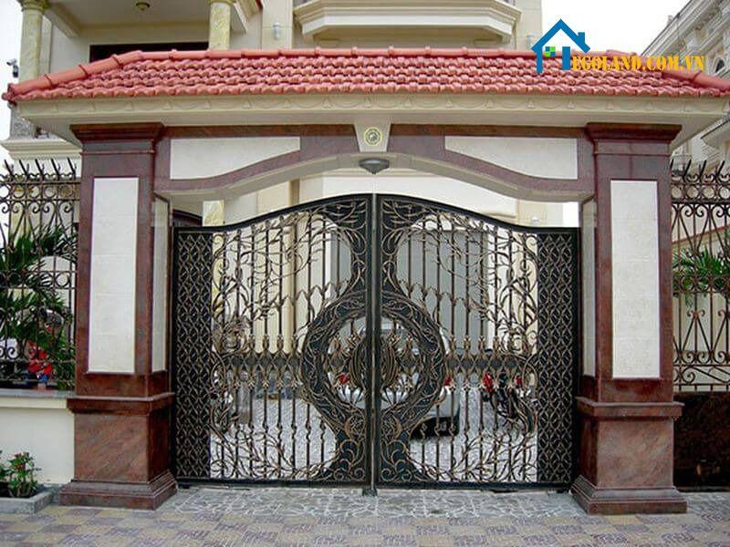 Cổng nhà được xem là một trong những yếu tố quan trọng giúp kiến trúc tổng thể của căn nhà có được được độc đáo, bắt mắt