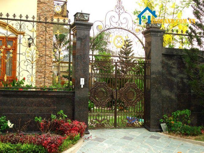 Để tính an ninh của mỗi căn nhà được đảm bảo thì cổng nhà chính là một yếu tố vô cùng quan trọng