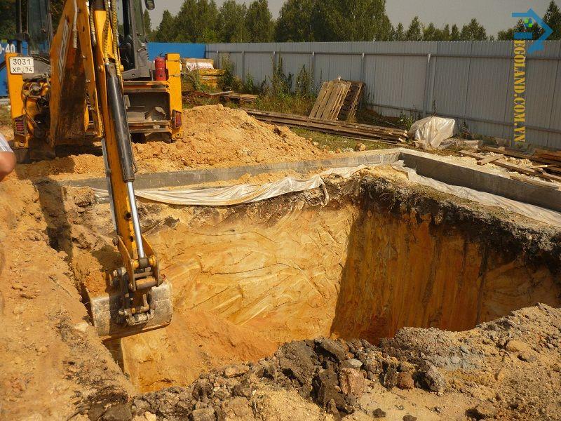 Công dụng cần biết của đào đất hố móng