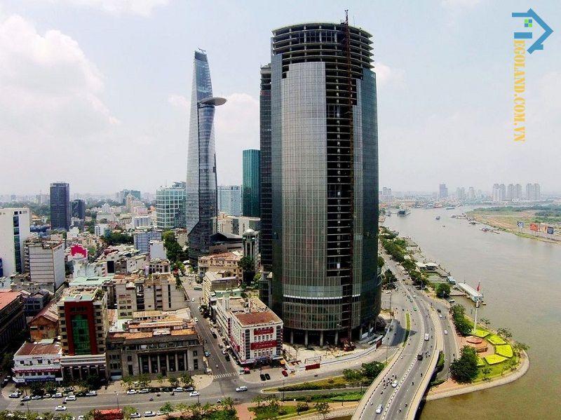 Do sự thiếu hụt về nguồn vốn nên quá trình xây dựng của tòa nhà Saigon One Tower đã tạm ngừng