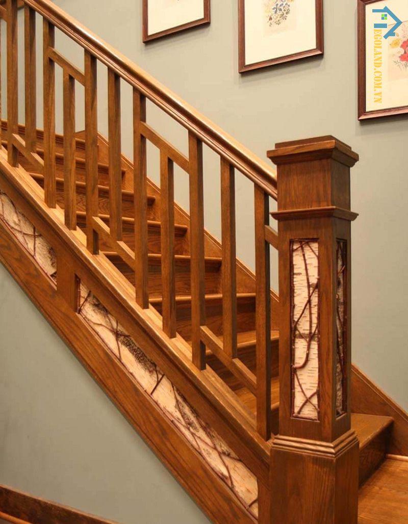Mẫu 2 - cầu thang kính tay vịn gỗ vuông đẹp