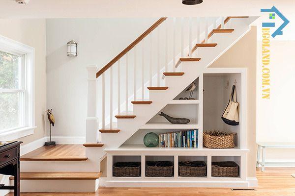 Mẫu tủ sách gầm cầu thang tinh tế, hiện đại mang đậm dấu ấn phong cách kiến trúc châu Âu