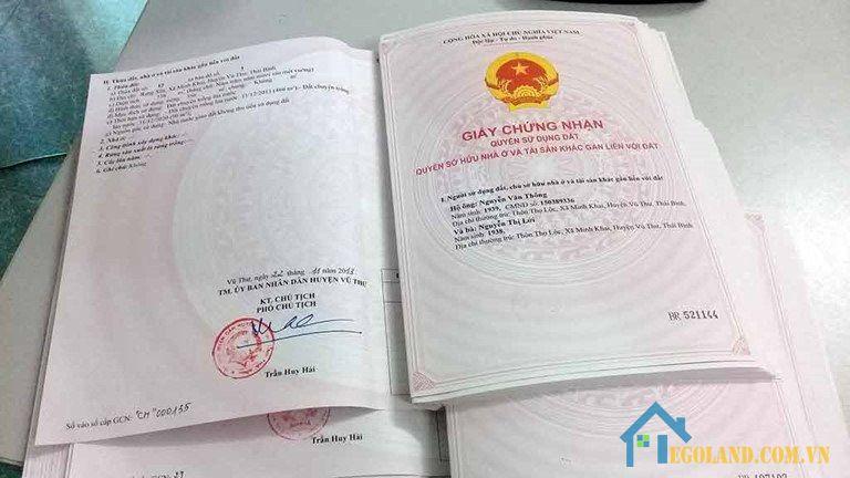 Thuế phí chuyển nhượng đất thực hiện theo quy định hiện hành của nhà nước