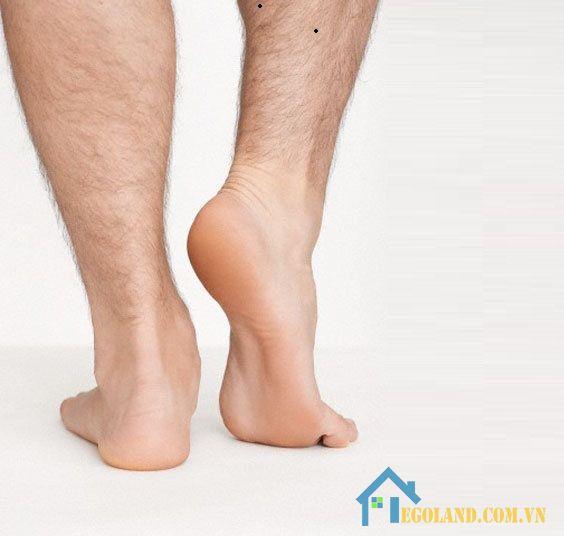 Nốt rồi ở bắp chân phải đàn ông