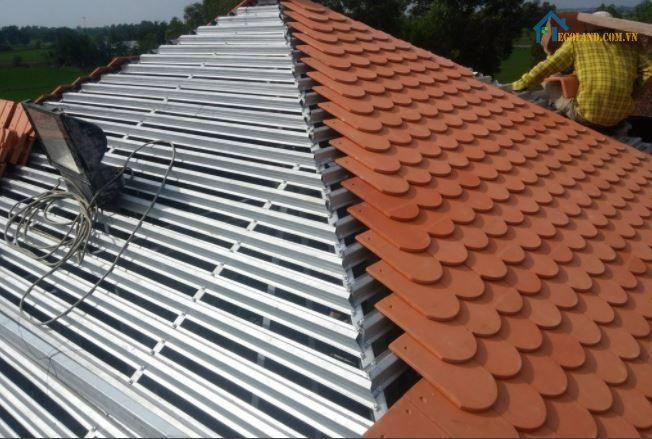 Mái che sân thượng bằng ngói