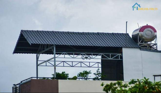 Mái che sân thượng bằng tôn giả ngói