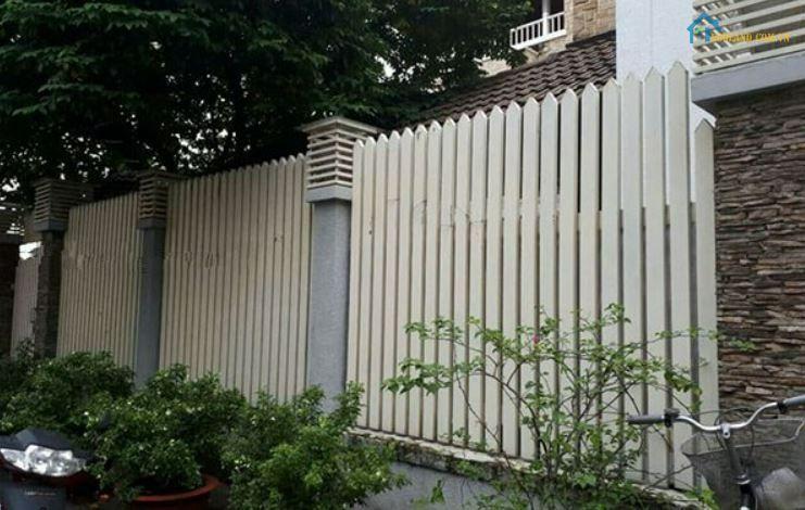 Mẫu hàng rào sắt hộp mạ kẽm công nghiệp