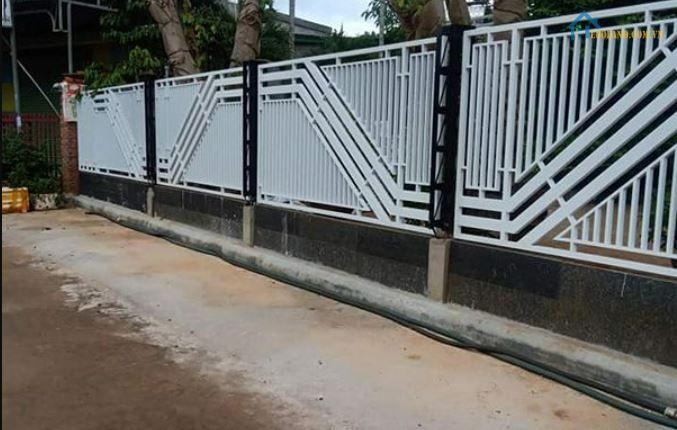 Hàng rào sắt hộp mạ kẽm