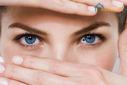 Nốt ruồi trong mắt phụ nữ mang ý nghĩa khác nhau