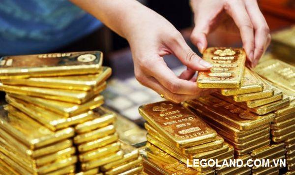 Nằm mơ nhặt được vàng chứng tỏ tài chính của bạn có khởi sắc