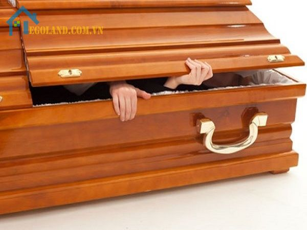 Nằm mơ thấy có người chết chui ra từ quan tài